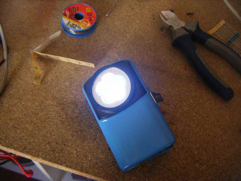 boitier de lampe à piles