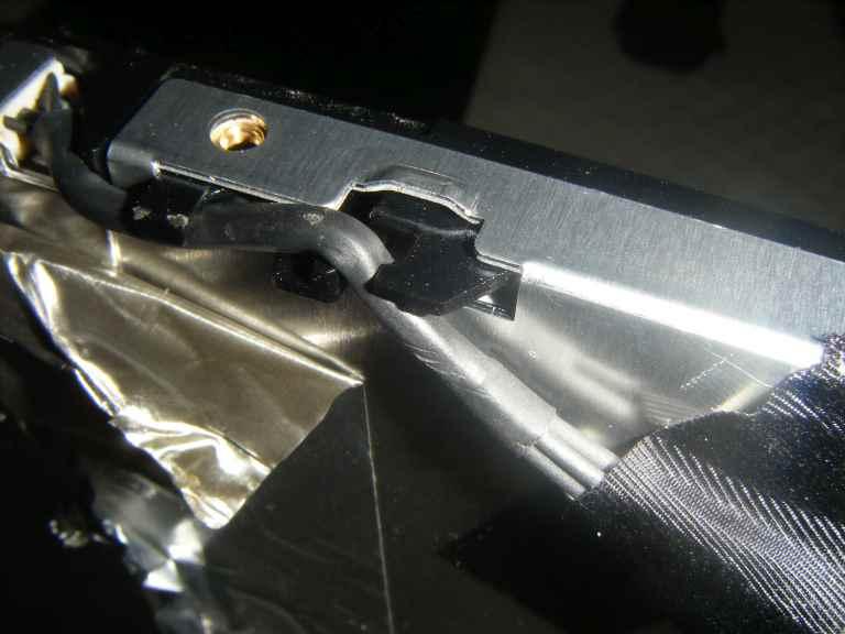 NavLab - Tutoriels - Démontage dalle DELL 1907 FPC moniteur réparation échange de tubes fluorescents