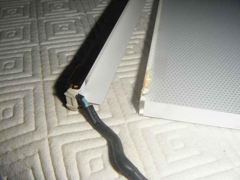 NavLab - Tutoriels - Remplacement tubes fluorescents sur moniteur DELL 1907 FPC 2