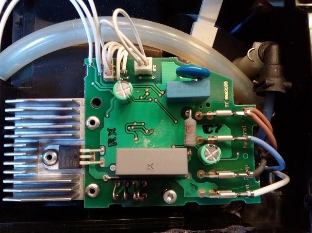 Remplacement condensateur Magimix M100 Nespresso panne machine à café