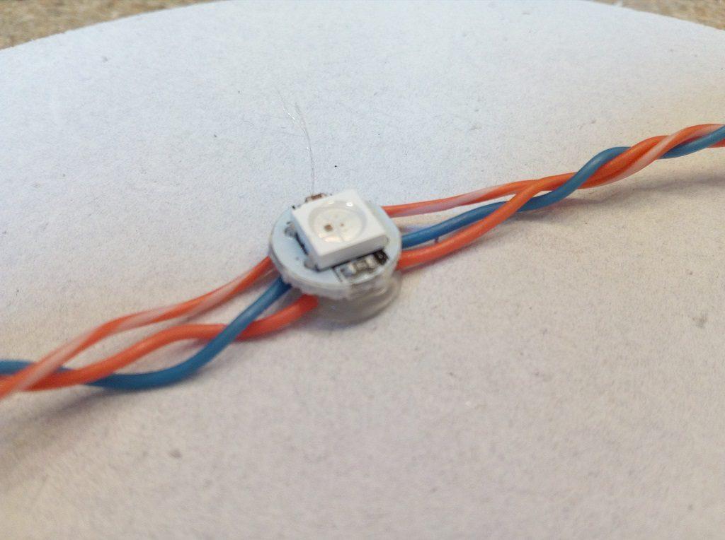 colle chaude LED RGB 5050 WS2812B série veilleuse nuage décoration tutoriel navlab